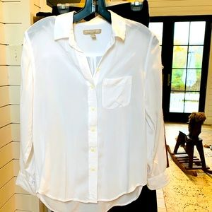 Banana Republic White Blouse in XS